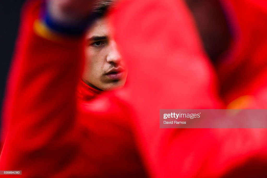 Hector Bellerin of Spain arrives for a training session on May 30, 2016 in Schruns, Austria.