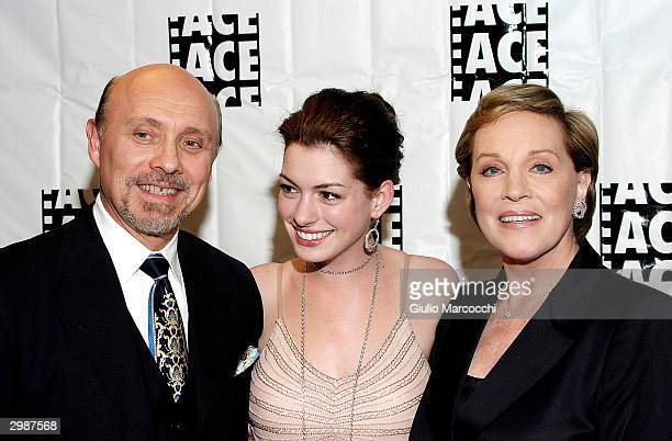 Hector Elizondo Anne Hathaway and Julie Andrews at the 54th Annual ACE Eddie Awards on February 15 2004 at the Beverly Hilton Hotel in Beverly Hills...