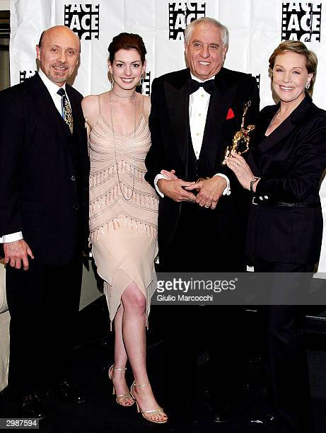 Hector Elizondo Anne Hathaway Garry Marshall ACE Golden Eddie Filmaker Of The Year winner and Julie Andrews at the 54th Annual ACE Eddie Awards on...