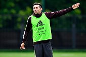 moscow russia hector herrera mexico gestures
