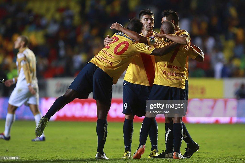 Morelia v Pumas UNAM - Clausura 2014 Liga MX