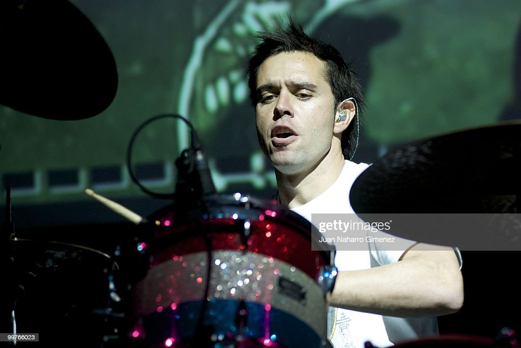 Hector Polo of Pignoise performs at Teatro Quinto to promote their new album on May 17, 2010 in Madrid, Spain.