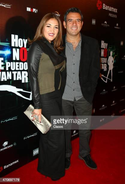 Hector Sandarti attends the red carpet of 'Hoy no me puedo levantar' at Almada Theater on February 18 2014 in Mexico City Mexico