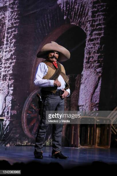 Hector Suarez performs during the premiere of the play 'Estoy Loco' on October 24 2014 at 'Teatro Aldama' in Mexico City Mexico