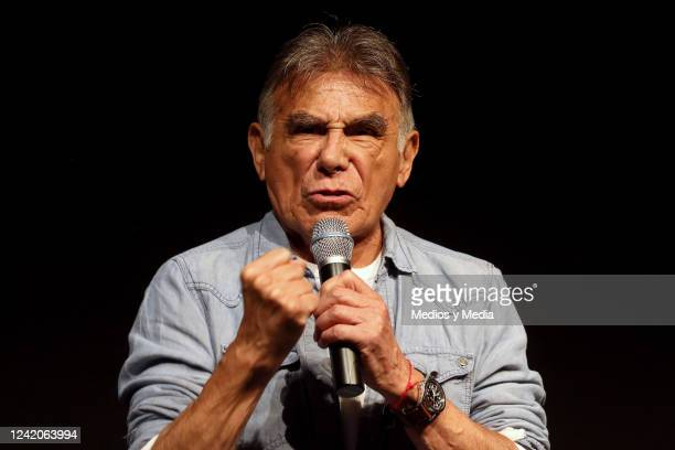 Hector Suarez speaks to the press during the conference to present the Stand Up 'Los Locos Suarez' on November 10 2015 at 'Teatro NH' in Mexico City...