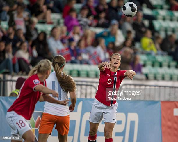 Hedda Gardsjord of Norway Kristine Minde of Norway during the FIFA Womens«s World cup qualifier match between Norway and Nederland at Nadderud...