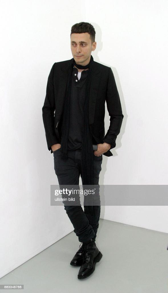 Hedi Slimane   Designer, Kurator   In Der Galerie Arndt U0026 Partner : News  Photo