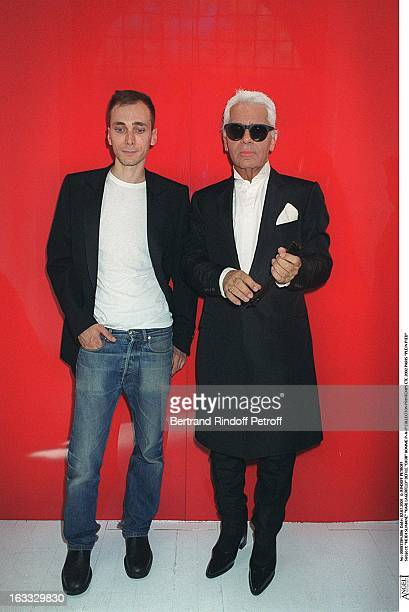 Hedi Slimane Karl Lagerfeld at theDior Catwalk Meanswear PAP Collection Spring Summer 2002 In Paris