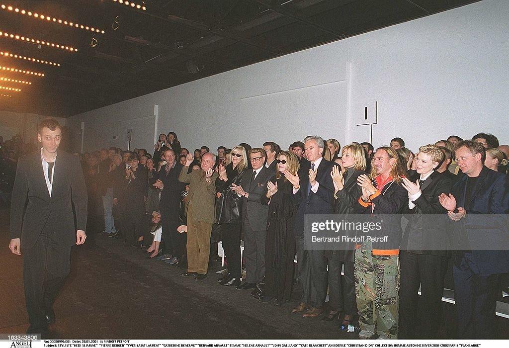 Christian Dior Catwalk Menswear Autumn Winter 2001/2002 In Paris : ニュース写真