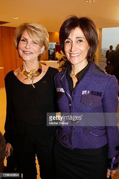 Hedva Ser and Dina Kawar attend the Artist Hedva Ser Awarded Peace Ambassador for UNESCO on October 18 2011 in Paris France