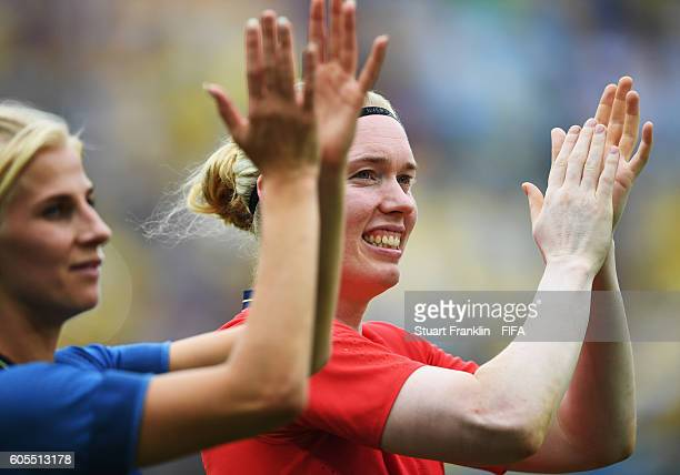 Hedvig Lindahl of Sweden celebrates at the end of the Olympic Womens Semi Final Football match between Brazil and Sweden at Maracana Stadium on...