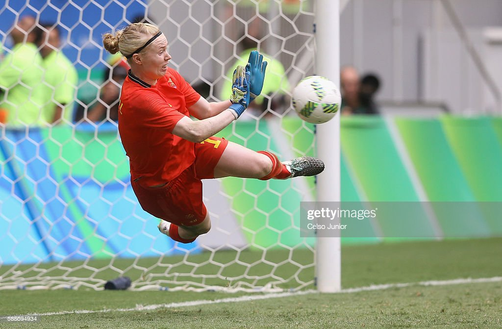 Hedvig Lindahl #1 of Sweden saves a penalty shot during the penalty shoot out against the United States during the Women's Football Quarterfinal match at Mane Garrincha Stadium on Day 7 of the Rio 2016 Olympic Games on August 12, 2016 in Brasilia, Brazil. Sweden won 1-1- (4-3 PSO) against the United States.