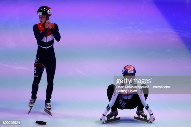Hee Suk Shim of Korea and Yara van Kerkhof of the Netherlands get ready to compete in the Womens 1000m Final during the Audi ISU World Cup Short...
