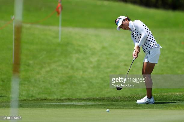 Hee Young Park of South Korea putts on the 18th green during the first round of the HSBC Women's World Championship at Sentosa Golf Club on April 29,...
