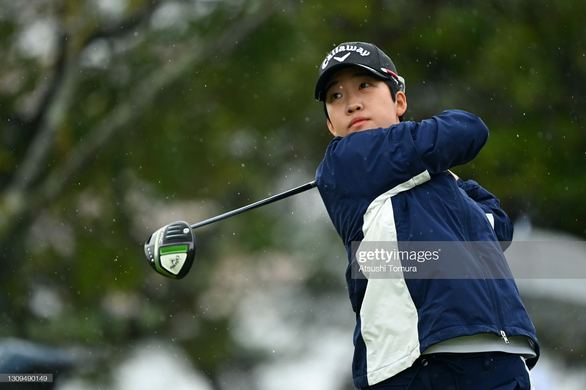 https://media.gettyimages.com/photos/heekyung-bae-of-south-korea-hits-her-tee-shot-on-the-1st-hole-during-picture-id1309490149?s=2048x2048