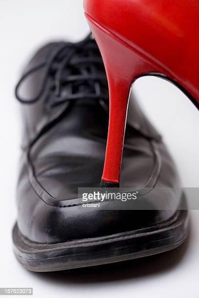 Heel over toes