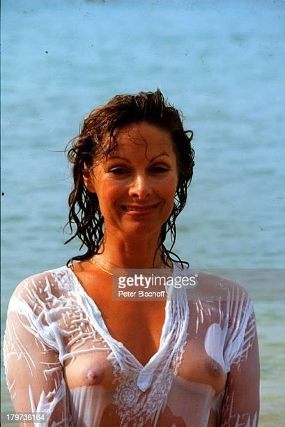 Heide Keller am Rande der Dreharbeiten zur ZDFReihe Traumschiff Folge 9 Puerto Rico San Juan Puerto Rico Karibik Urlaub Strand Meer sexy...