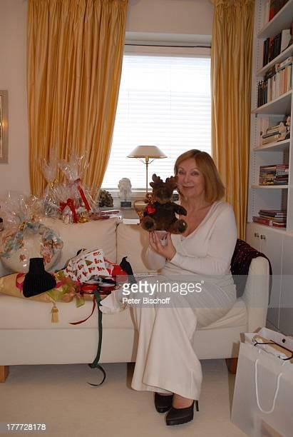 Heide Keller Homestory Bad Godesberg / Bonn NordrheinWestfalen Deutschland Europa Wohnung Geschenke Wohnzimmer Plüschfigur Teddybär Teddy Stofftier...
