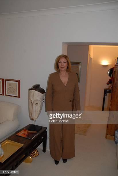 Heide Keller Homestory Bad Godesberg / Bonn NordrheinWestfalen Deutschland Europa Wohnung Wohnzimmer Holzfigur HolzFigur Kopf Schauspielerin