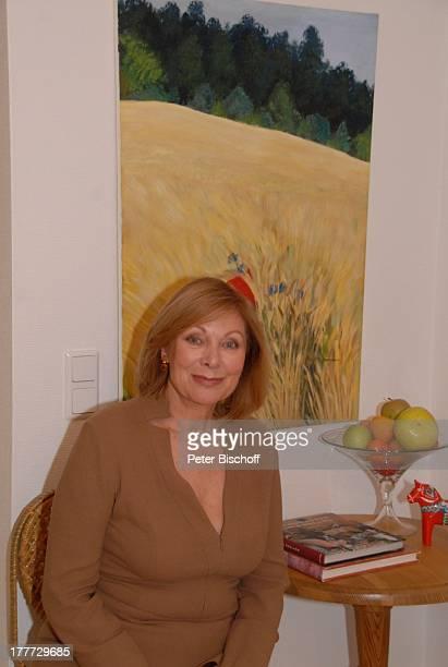 Heide Keller Homestory Bad Godesberg / Bonn NordrheinWestfalen Deutschland Europa Wohnung Bild Landschaft Tisch Obst Obstschale Schauspielerin