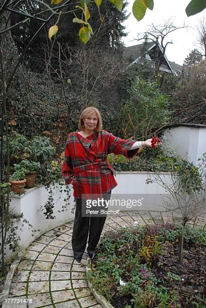 Heide Keller Homestory Bad Godesberg / Bonn NordrheinWestfalen Deutschland Europa Garten Terasse Schauspielerin