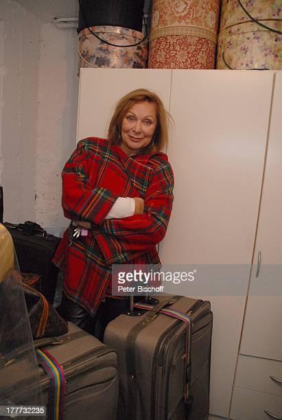 Heide Keller Homestory Bad Godesberg / Bonn NordrheinWestfalen Deutschland Europa Wohnung Koffer Reisekoffer Tasche Schauspielerin