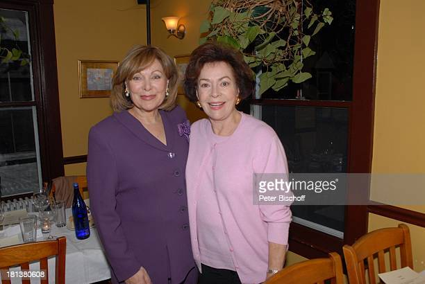 Heide Keller Karin Dor Party zum 70 Geburtstag von Heide Keller neben den Dreharbeiten zur ZDFReihe 'Traumschiff' Folge 62 'Indian Summer' Restaurant...