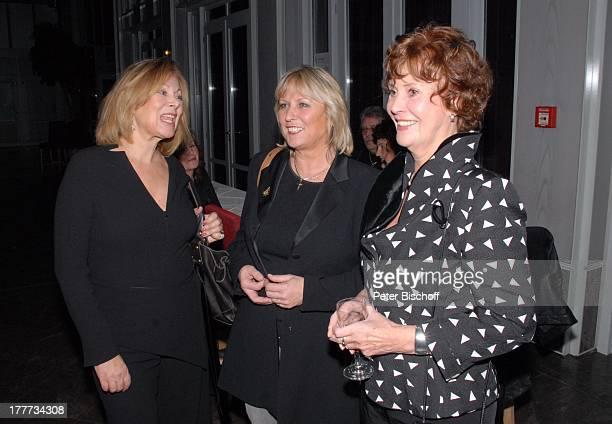 """Heide Keller, Rita Schild-Pirlich, Hannelore Cremer , Feier zum 60. Geburtstag von C H R I S T I N E S C H I L D, nach dem Theaterstück """"Der..."""