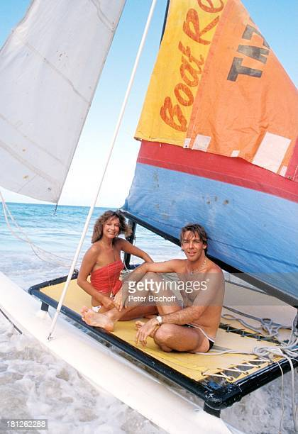 Heide Keller Sascha Hehn am Rande der Dreharbeiten zur ZDFReihe 'Traumschiff ' Folge 9 'Puerto Rico' San Juan Karibik San Juan Landausflug Ausflug...