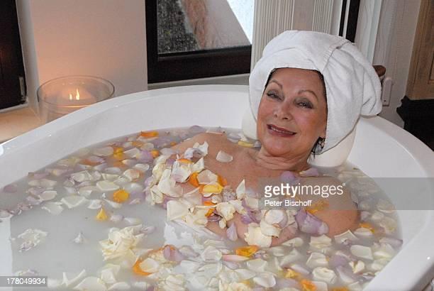 Heide Keller WellnessKur SchönheitsFarm Wellness und SpaLandschaft Dollina in WellnessSuite Cleopatra 5SterneRelais ChateauxHotel Dollenberg Bad...