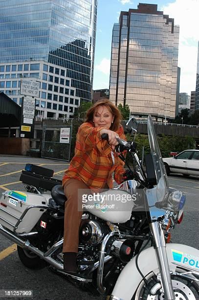 """Heide Keller, ZDF-Reihe """"Traumschiff"""", Folge 50, Episode 1: """"Junge Liebe"""" und Episode 3: """"Eine Mutter, ein Sohn und Victor"""", West-Coast, Vancouver,..."""