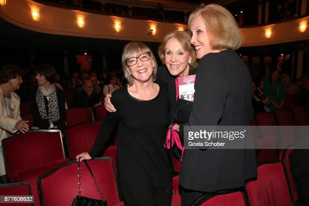 Heidelinde Weis Ellen Kessler and her twin sister Alice Kessler during the 'Josef und Maria' premiere at Komoedie theatre on November 22 2017 in...