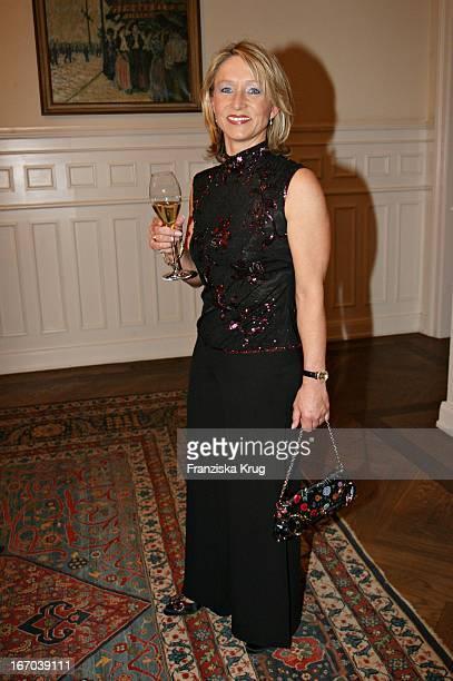Heidi Burmester In Einem Escada Kleid Bei Der Preisverleihung Champagnepreis Für Lebensfreude Im Hotel Louis C Jacob In Hamburg Am 200306