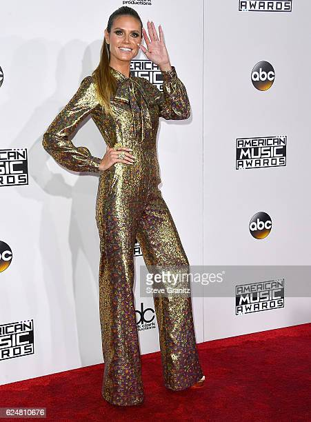 Heidi Klum arrives at the 2016 American Music Awards at Microsoft Theater on November 20 2016 in Los Angeles California
