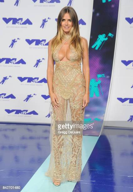 Heidi Klum arrives at the 2017 MTV Video Music Awards at The Forum on August 27 2017 in Inglewood California