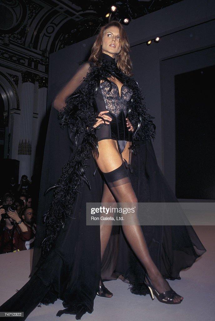 3rd Annual Victoria's Secret Fashion Show - February 4, 1997 : News Photo