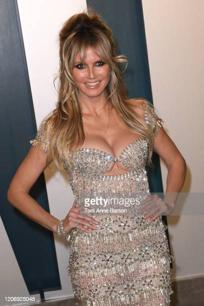 Heidi Klum attends the 2020 Vanity Fair Oscar Party at Wallis Annenberg Center for the Performing Arts on February 09 2020 in Beverly Hills California