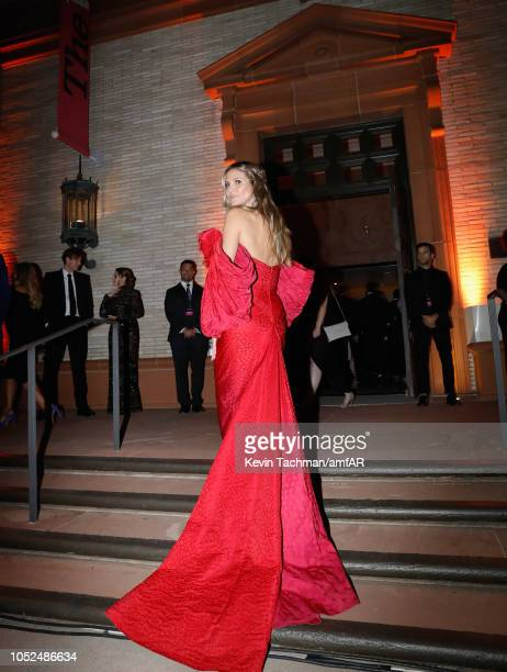 Heidi Klum attends the amfAR Gala Los Angeles 2018 at Wallis Annenberg Center for the Performing Arts on October 18 2018 in Beverly Hills California