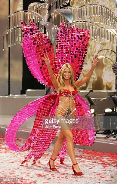 Heidi Klum walks the runway at the Victoria's Secret Fashion Show at Fontainebleau on November 15 2008 in Miami Beach Florida