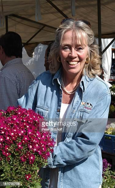 Heidi Mahler Markt in Santa Maria Blumenstand Blumen Mallorca Spanien Baleraren Urlaub Schauspielerin Promis Prominente Prominenter