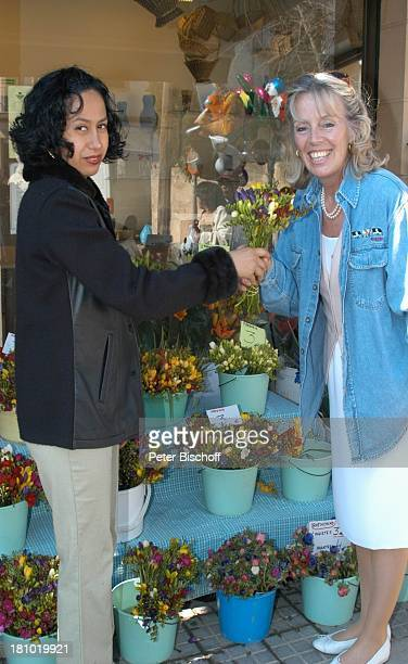 Heidi Mahler Markt in Santa Maria Blumenstand Blumenverkäuferin Verkäuferin Mallorca Spanien Baleraren Urlaub Schauspielerin Promis Prominente...