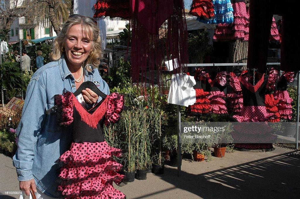 Heidi Mahler, Markt in Santa Maria, Flamencokleid, Kleid, Flamen ...