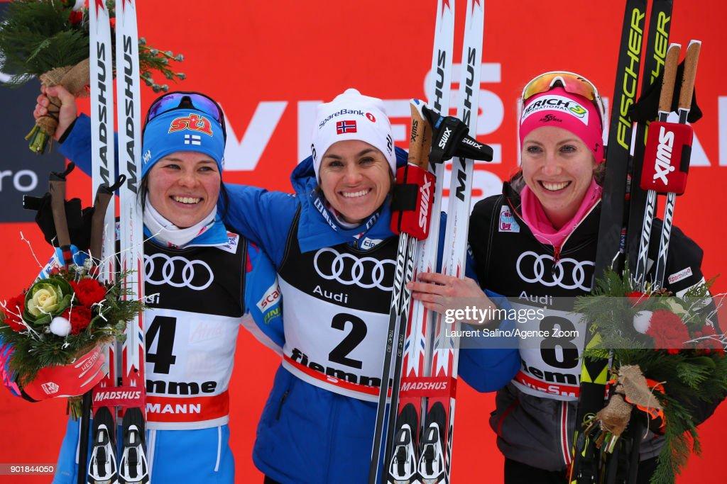FIS Nordic World Cup  - Women's CC 10 km C Mass Start Tour de ski : News Photo