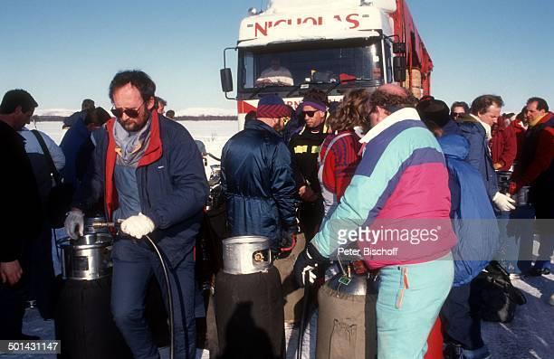 Heiße Suppe beim ArktisBallonFestival bei Kirkines Norwegen Europa Winter Schnee Reise BB SC PNr 413/2013