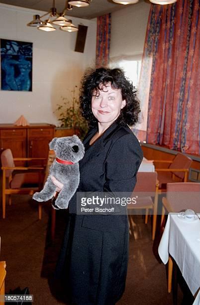 """Heike Knochee ,;Hochzeit, Berlin, Deutschland, Europa, Luisenhain, Hotel;""""Seeresidenz"""", Stofftier, Hund;! bis;1.12.2000!!!,"""