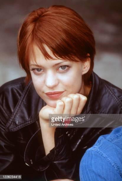 Heike Makatsch, deutsche Schauspielerin, Sängerin und Fernsehmoderatorin, Deutschland 1997