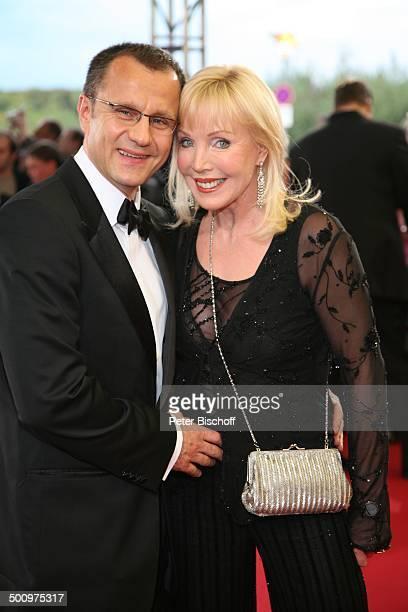 """Heike Maurer, Ehemann Ralf Immel, ARD-Gala """"Deutscher Fernsehpreis 2006"""", Köln, Deutschland, , Prod.-Nr.: 1506/2006, """"Coloneum"""", roter Teppich,..."""