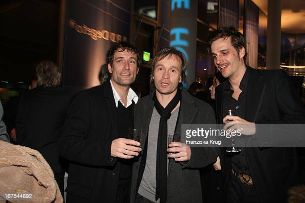 Heikko Deutschmann Unbekannt Und Schauspieler Max Von Thun Bei Der Ard Blue Hour The Opening Party In Den Räumen Der Daimler Financial Services Ag In...
