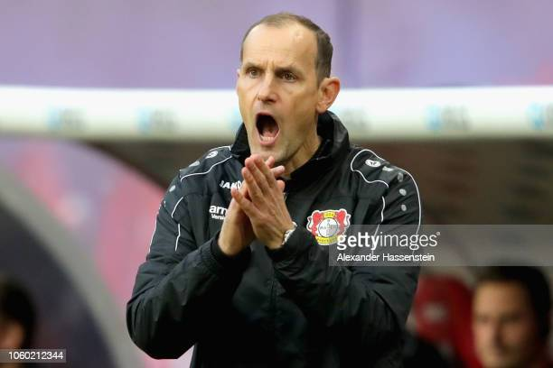 Heiko Herrlich head coach of Lerverkusen reacts during the Bundesliga match between RB Leipzig and Bayer 04 Leverkusen at Red Bull Arena on November...