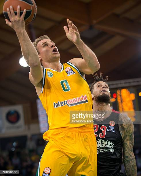 Heiko Schaffartzik #0 of Limoges CSP in action during the Turkish Airlines Euroleague Basketball Regular Season Round 9 game between Limoges CSP v...